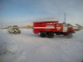 Rebocados pelo caminhão dos bombeiros