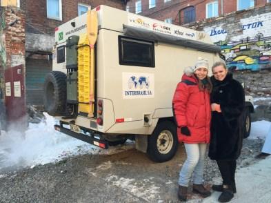 Svetia trabalha no hostel em Vladivostok