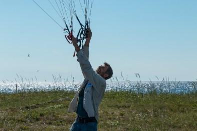 Verificando o vento e a vela