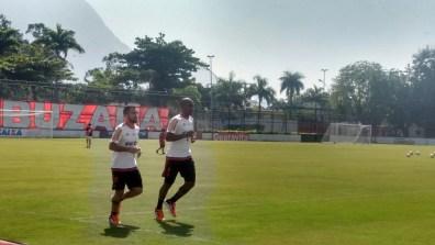 Canteros e Samir apenas correram em volta do gramado. (Foto: Bruno Vasconcelos - MRN)