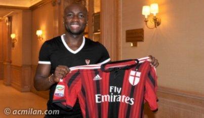 Depois de passar por Palmeiras e Udinese, Armero é apresentado ao Milan (Foto: Site AC Milan)