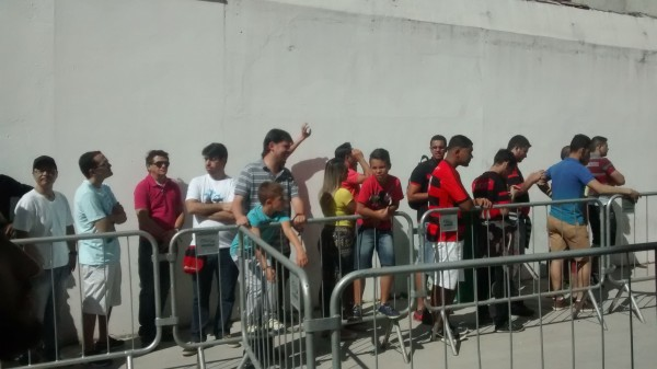 Sócio-torcedor terá que trocar ingresso para Flamengo x Grêmio
