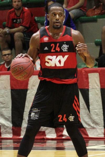 Jason Robinson não fez uma grande partida mas se movimentou bastante. | Foto: Flamengo