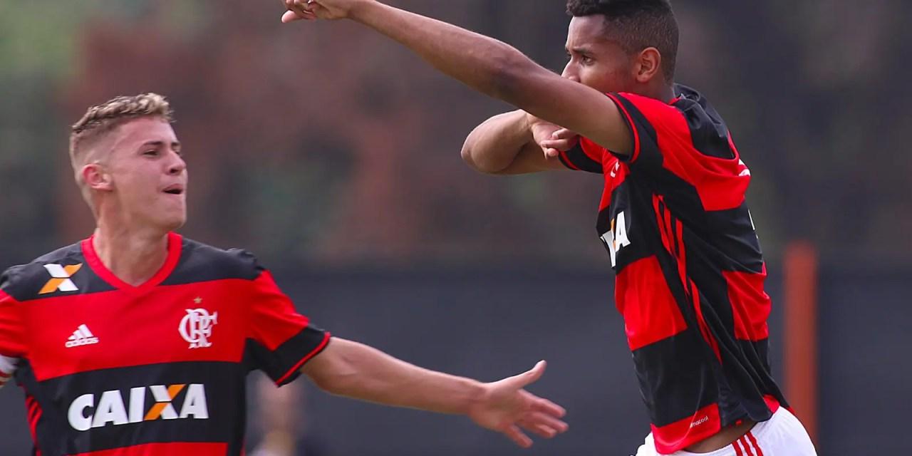 """Zagueiro Igor descreve a emoção de marcar pela primeira vez com o Manto: """"sonho de todo jogador"""""""
