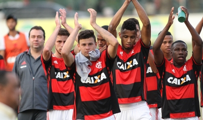 Flamengo faz 3 a 1 no Vasco e garante vaga na decisão da Taça Rio Sub-20