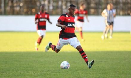 Lucas Silva marca no fim, Flamengo vence e avança na Copa do Brasil Sub-20