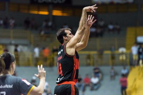 MarceZico foi o cestinha do jogo, com 27 pontos