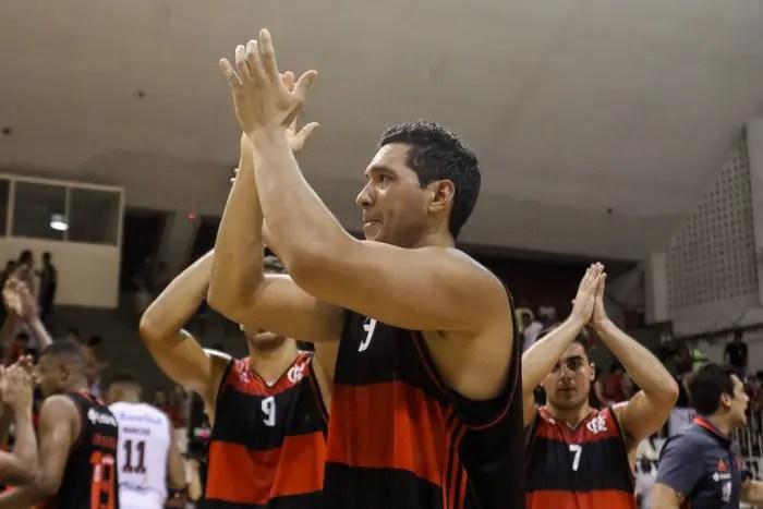 JP Batista analisa vitória sobre Caxias e fala sobre novidade do time