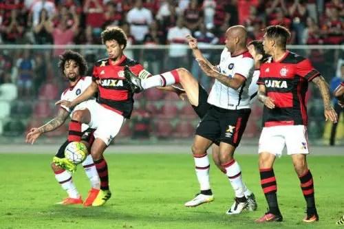 Flamengo visita Atlético-PR de olho em quebra de tabu que já dura 42 anos