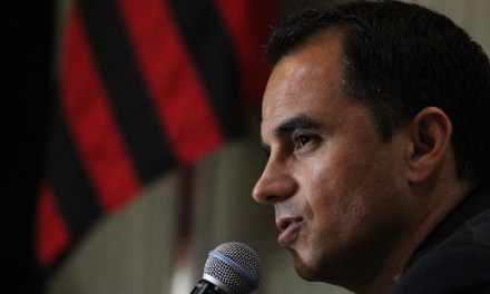 Rodrigo Caetano: Fla contratará pouco e gastará pouco para aproveitar mais a base