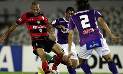 2007: Flamengo x Defensor Sporting (Uruguai)
