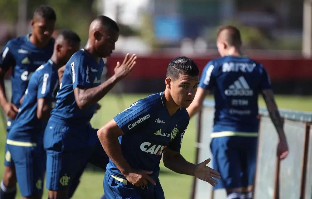 Com titulares poupados, Zé chama 4 do sub-20 para viagem a Brasília