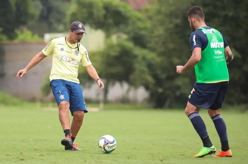 Zé explica opção por titulares contra o Vasco