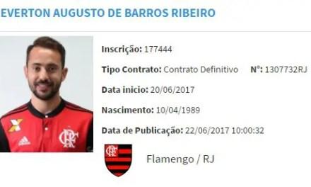 Everton Ribeiro aparece no BID mas só estreia contra o Bahia
