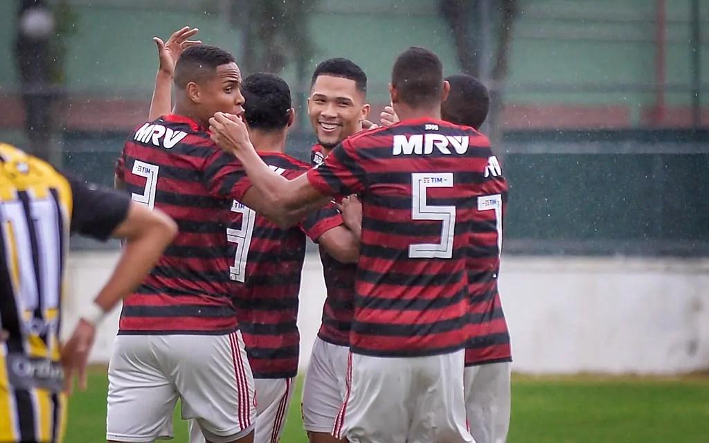 Vitor Gabriel volta a balançar as redes em retorno ao Sub-20