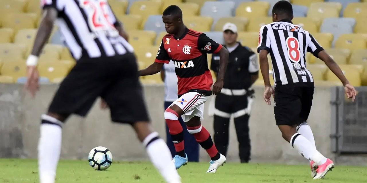 Vinícius Jr. lembra de sonho realizado ao estrear pelo Flamengo