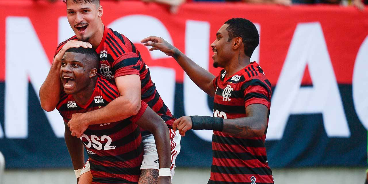 Crônica Flamengo 2×1 Chapecoense: Domingo de manhã, eu vou ao Maracanã