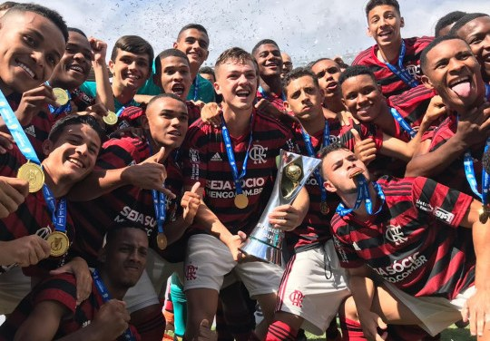 Flamengo conquista seu primeiro Brasileirão nas categorias de base