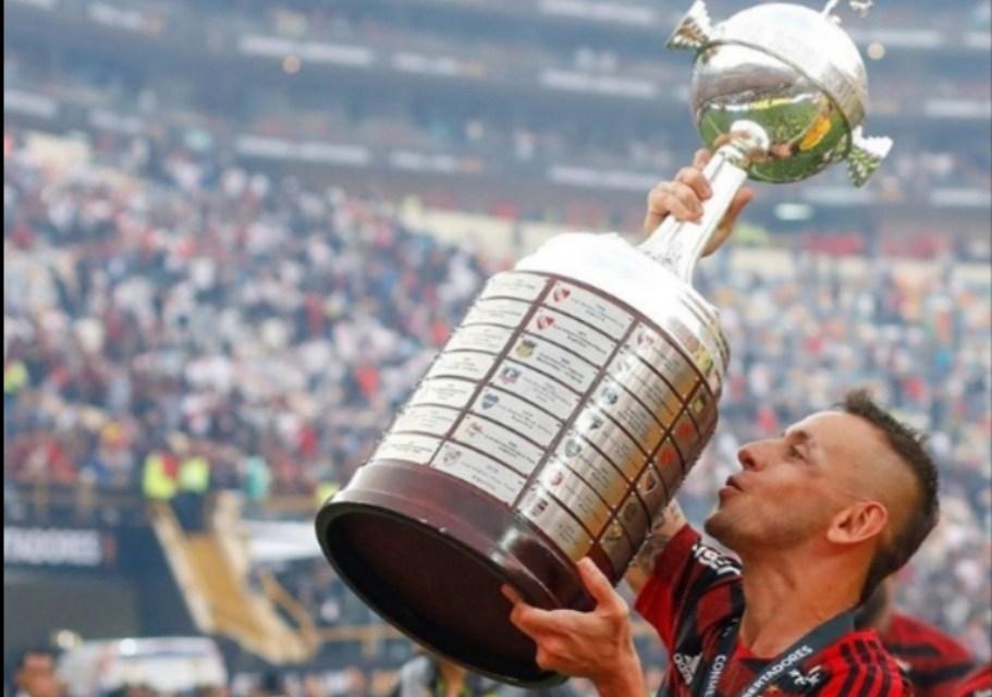 Campeão da Libertadores e Brasileiro pelo Fla, Rafinha conta peculiaridades de como era a vida na Alemanha