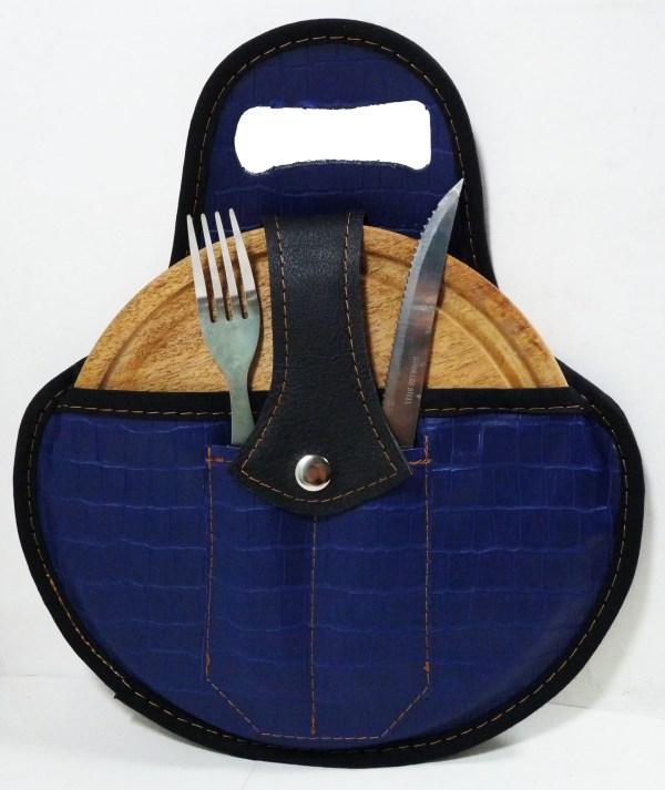 Set de asado color croco azul con cubiertos