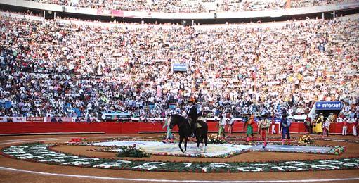 plaza-mexico-511x260