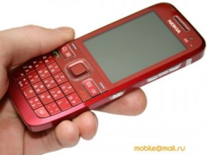 nokia-e55-is-now-a-red-cell-phone-01