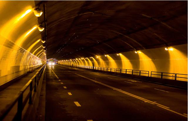stockton tunnel muni by thomas hawk