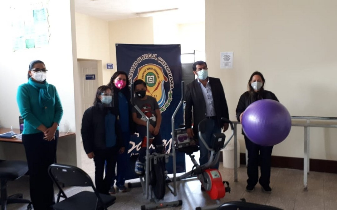 Entrega de equipo para la Clínica de Fisioterapia y trabajos en el municipio de Salcajá.