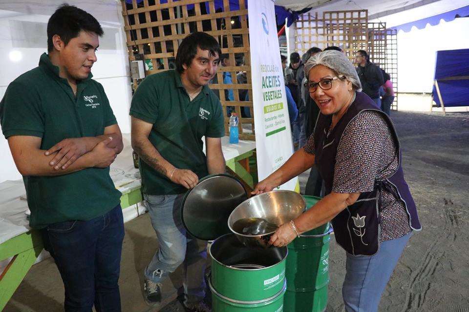 Municipalidad de Negrete firma convenio con empresa de reciclaje.