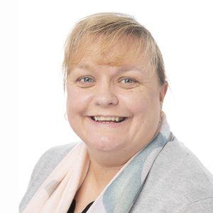 Tracey Lundie-Macphee : Legal Secretary