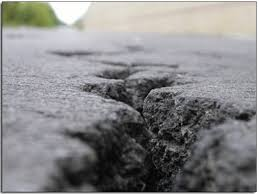 Asphalt Repair, Crack Repair, parking lot repair, Milwaukee parking lot repair