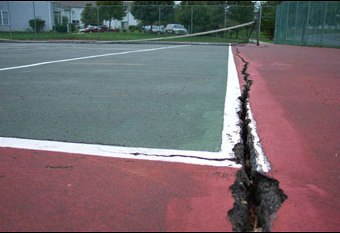 Cracked tennis court, Tennis court repair, Milwaukee, Waukesha, Wisconsin