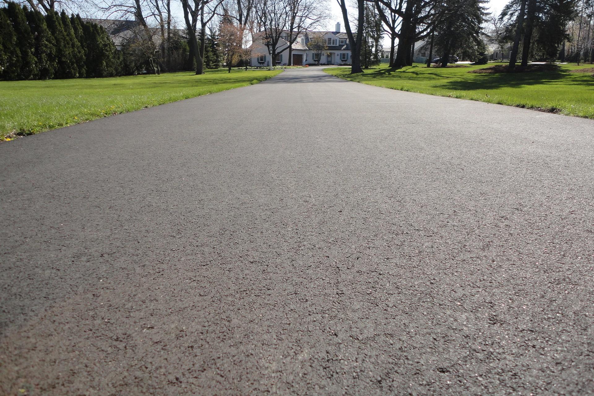 Residential Asphalt, Milwaukee Asphalt, Driveway Paving, paving, Asphalt paving, Blacktop