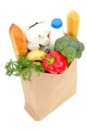 Kinder und ihre Beziehung mit Gemüse