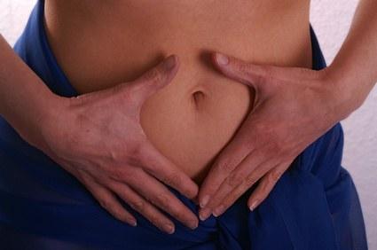 Flacher und straffer Bauch