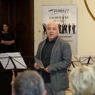 Siniša Bizović, direktor Spona Clasicss najavljuje program koncerta Zagrebačkih solista te tri sljedeća nastupa u MUO
