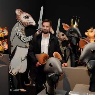 """Leo Jakovina uz scenografiju i kostim u kojem je nastupao u baletu """"Orašar"""""""