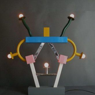 47. Memphis, Model Ashoka , Dizajner Ettore Sottsass Jr.,1981. dim.85(v)x74 cm