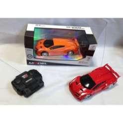 Auto urheiluauto punainen tai oranssi R/C auto