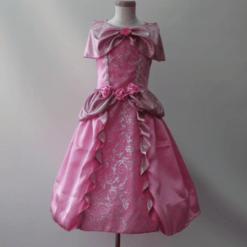 Prinsessa mekko ruusuilla