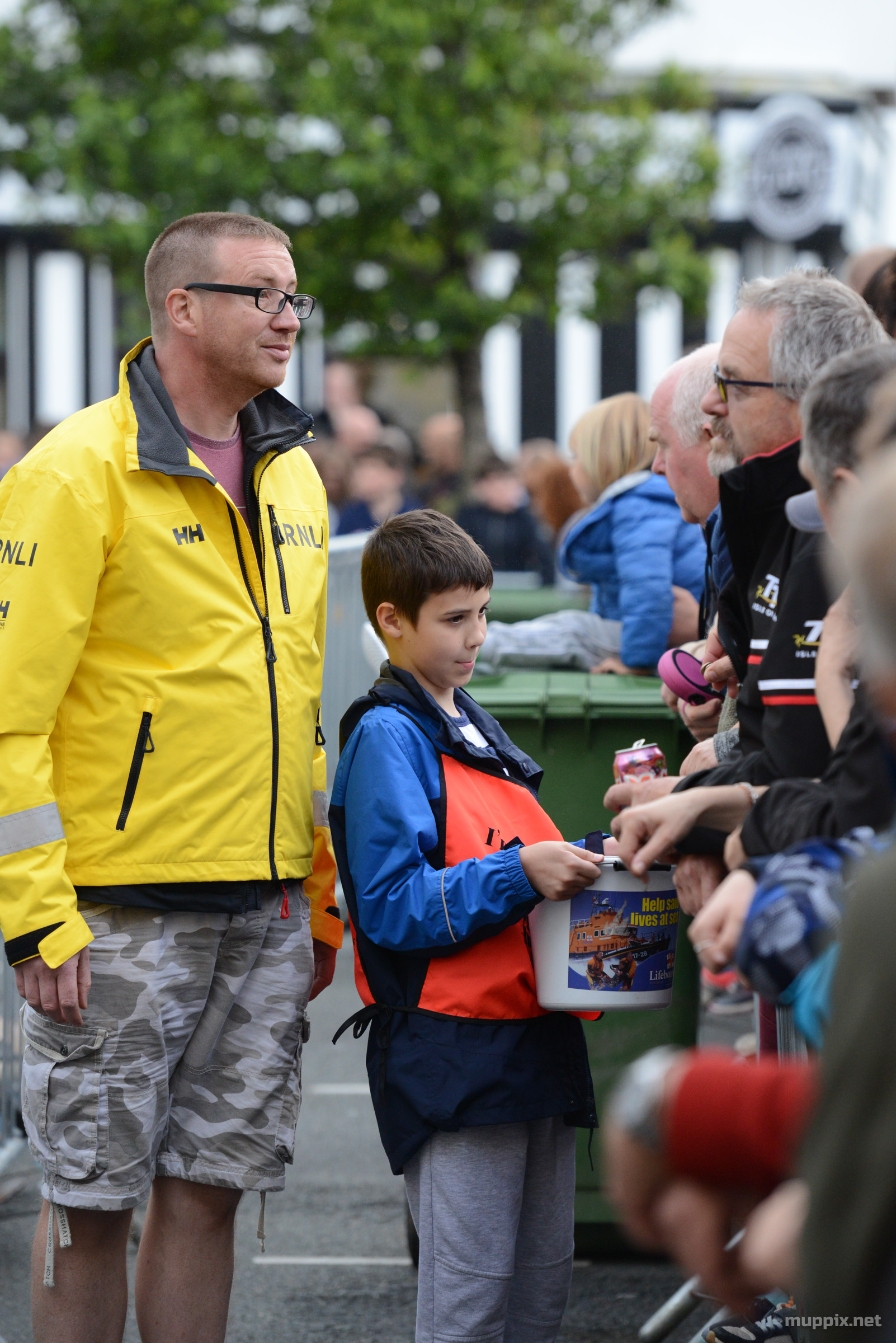RNLI volunteers collecting for charity