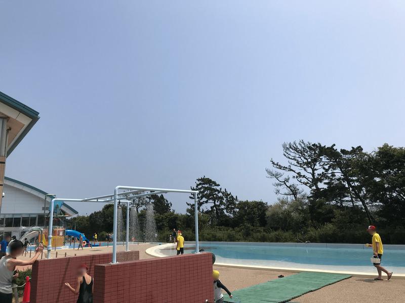 トビオの屋外児童プール