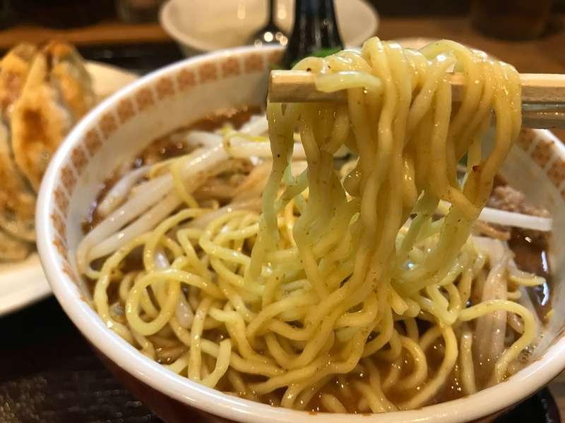 錦華楼 千歳町本店(きんかろう)のごまラーメンの麺