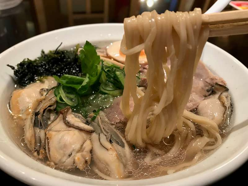 麺や厨の牡蠣しおそばの麺
