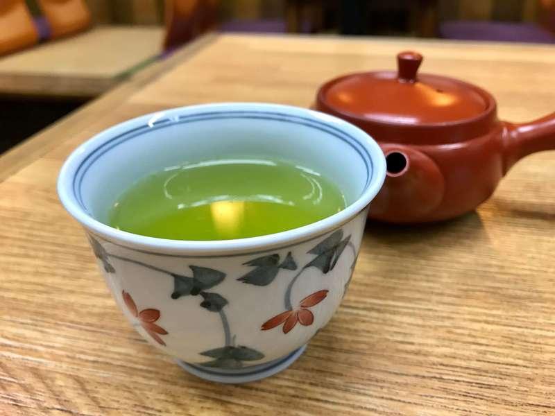 うなぎ料理専門店曳馬野のお茶