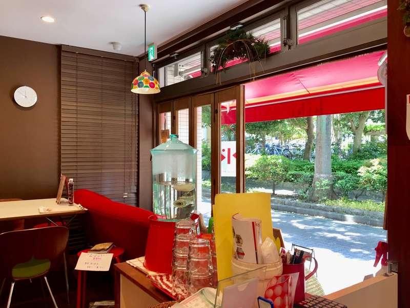 KiKiCafe&Barの店内