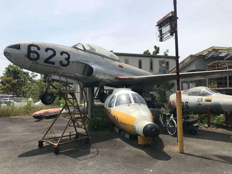 喫茶飛行場の飛行機