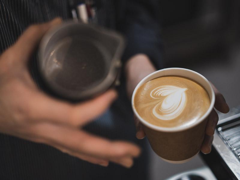 ウエストゴートコーヒーのラテ