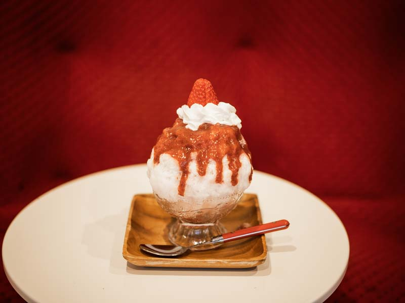 kiki Cafe&barのエスプーマいちごのかき氷