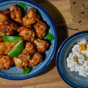 Kyllingklubber med waldorfsalat
